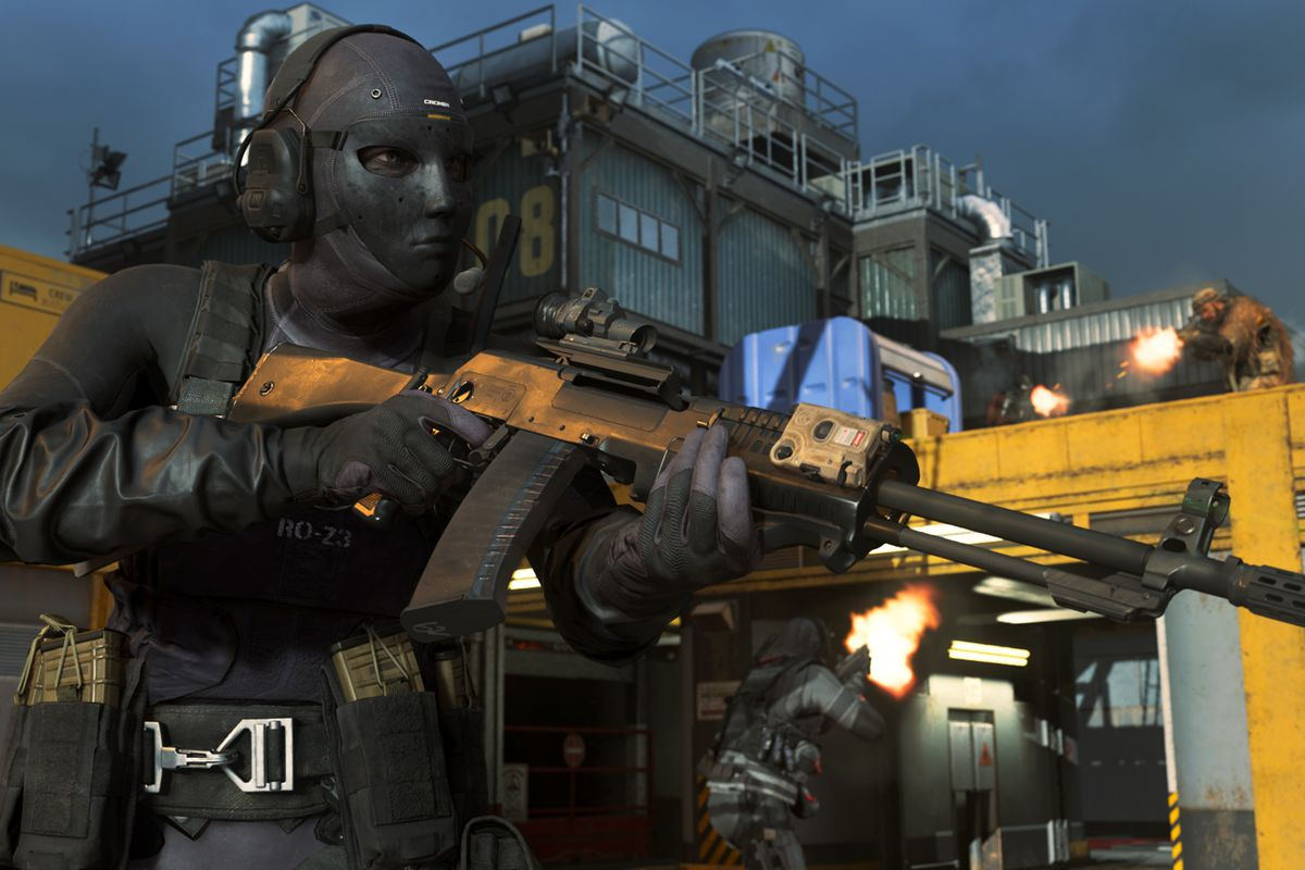 A Call of Duty: Warzone player stands on an oil rig with an LMG