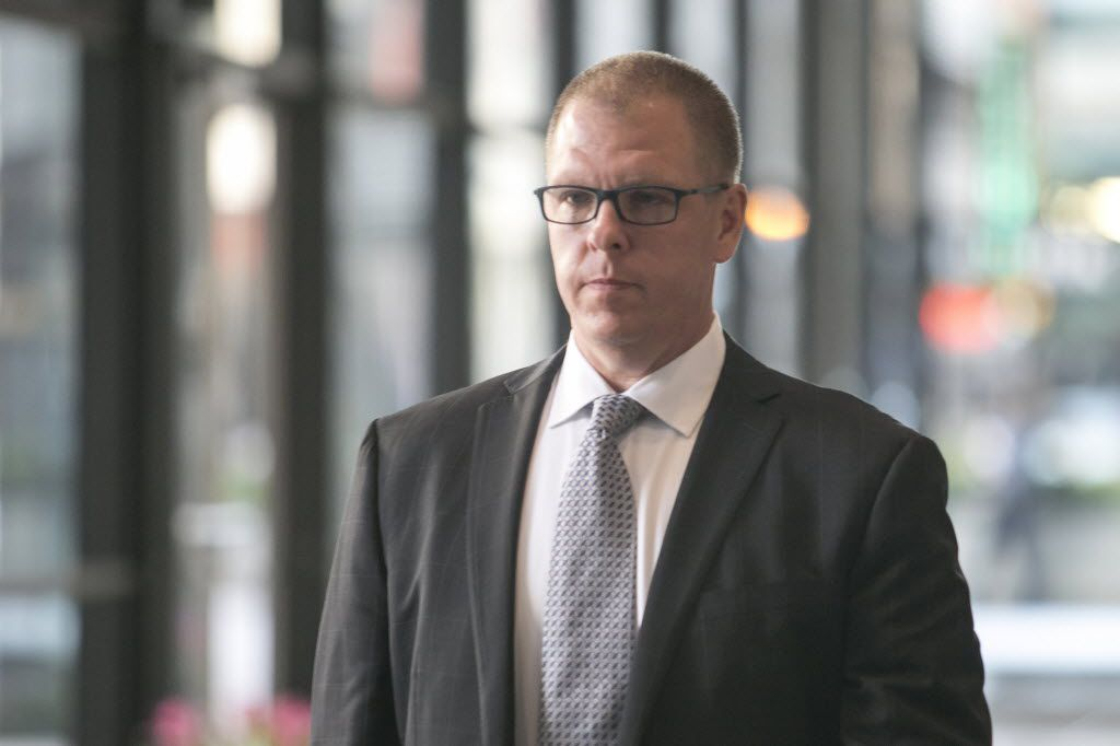 Gary Solomon, executive director of principal-training firm SUPES Academy, leaves federal court after his arraignment Oct. 14.   Ashlee Rezin / Sun-Times