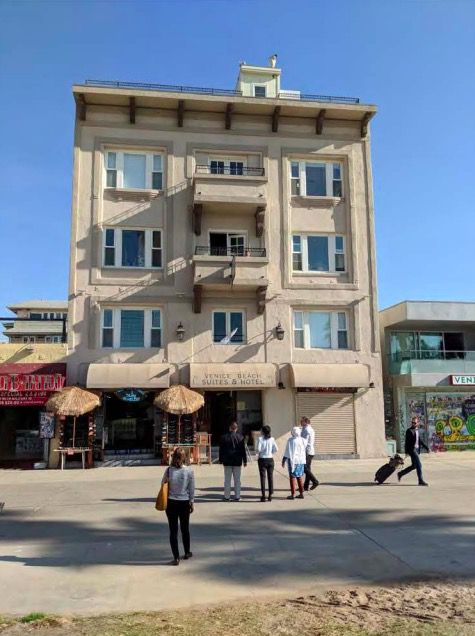 1912 apartment building on Venice Boardwalk up for ...