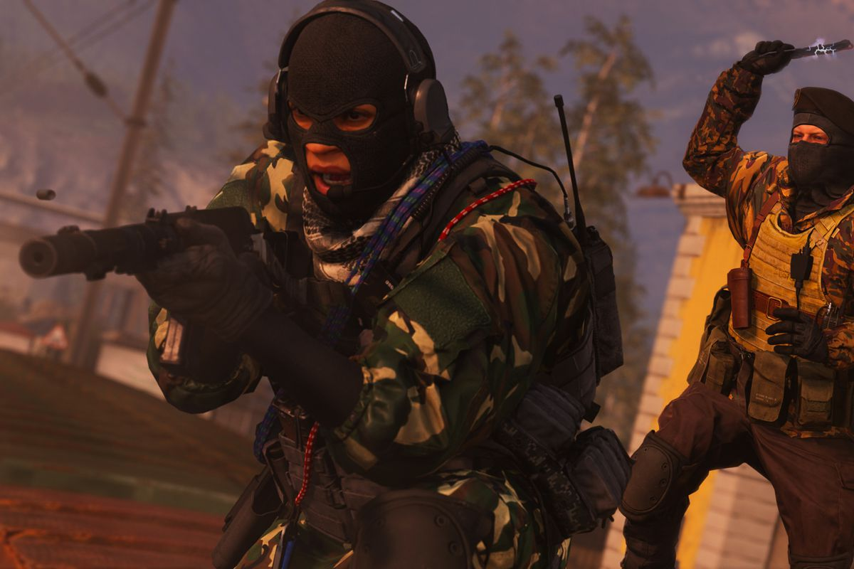 A player in Call of Duty: Warzone sneaking around with someone right behind him