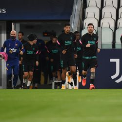 The player emerged for the warm-up