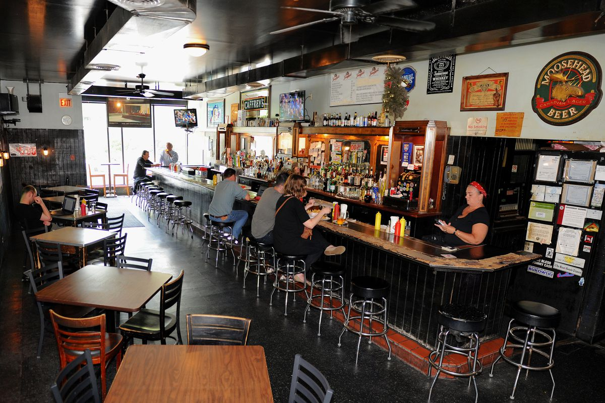 Woodlawn Tap in Hyde Park. | Victor Hilitski/For the Sun-Times