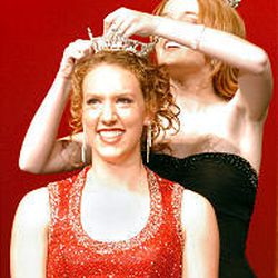 Lindsey Smith is crowned the 2006 Miss Murray by the former Miss Murray Camille Jensen at Murray High School.