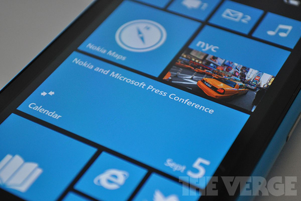 Nokia finally unveils not one but two windows phones the lumia 800 - Nokia Wp8 Event