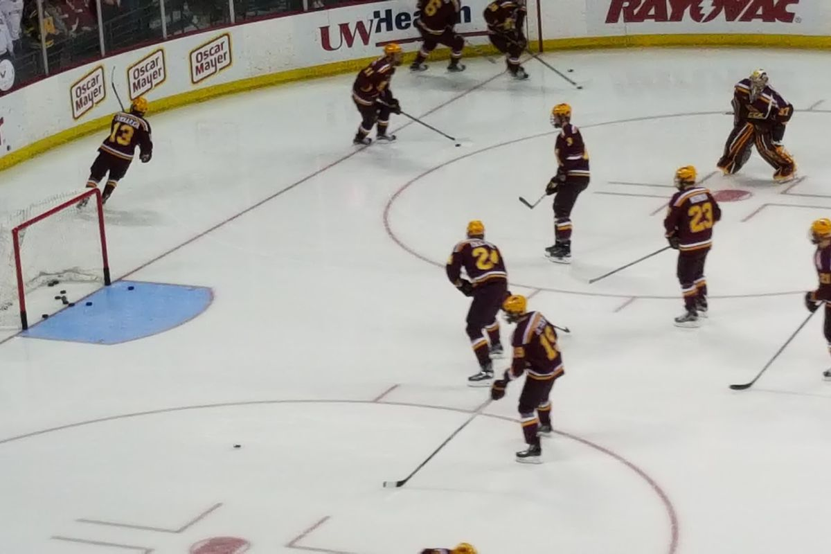 The Gophers warm up prior to their tilt with the Badgers in Madison on 1/23/16.