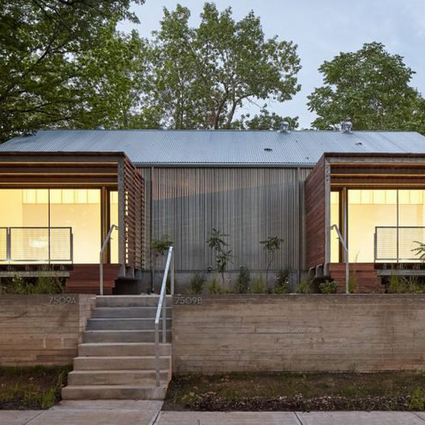 Architecture Students Build Modern Duplex For Low Income
