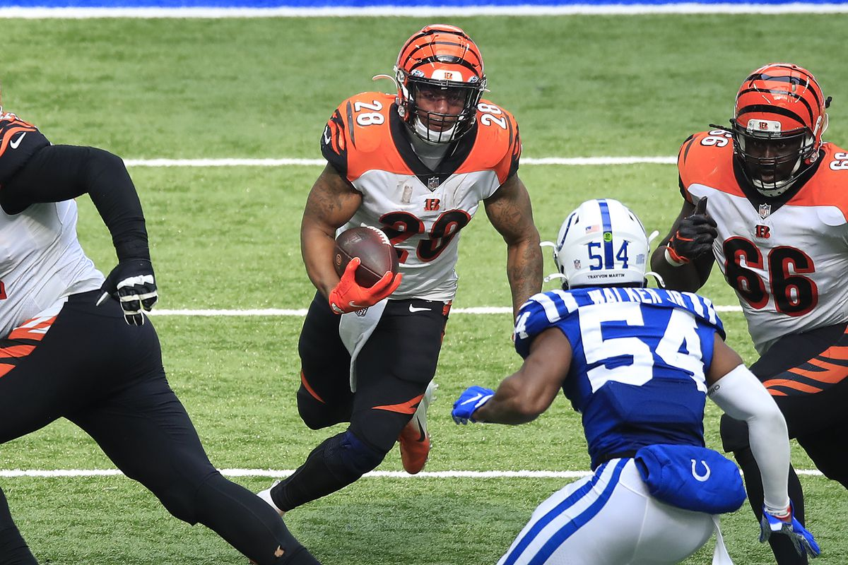 Joe Mixon #28 of the Cincinnati Bengals carries the ball against the Indianapolis Colts during the second half at Lucas Oil Stadium on October 18, 2020 in Indianapolis, Indiana.