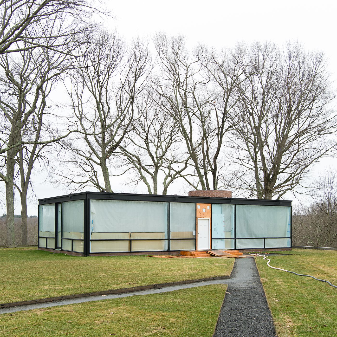 Philip Johnson Glass House philip johnson's glass house replaces its ceiling - curbed