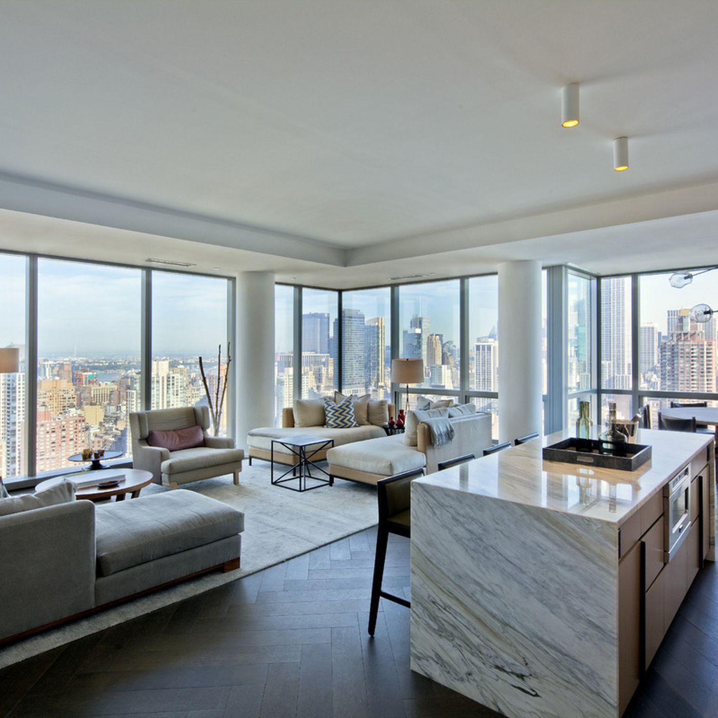 Tom Brady S Nyc Apartments Are High End Paparazzi Proof Condos Curbed Ny