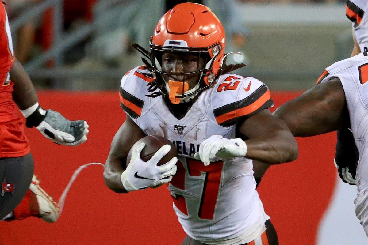 During suspensions, RB Kareem Hunt can't be at Browns facility, but WR Antonio Callaway can