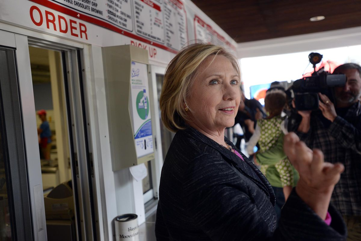 Democratic presidential candidate Hillary Clinton makes a stop at Moo's Place May 22, 2015 in Derry, New Hampshire.
