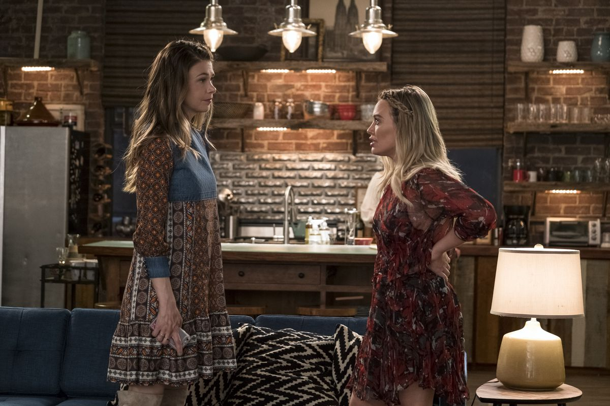 Sutton Foster as Liza Miller and Hilary Duff as Kelsey Peters in season 4 of Younger.