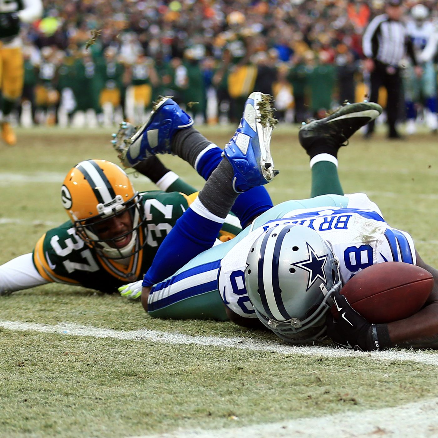 Dez Bryant Catch That Was Overturned Is The Talking Point
