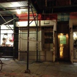 """151 Ludlow, to become a pizza shop. [<a href=""""http://www.boweryboogie.com/2012/12/new-pizza-joint-opening-at-151-ludlow/"""">Bowery Boogie</a>]"""