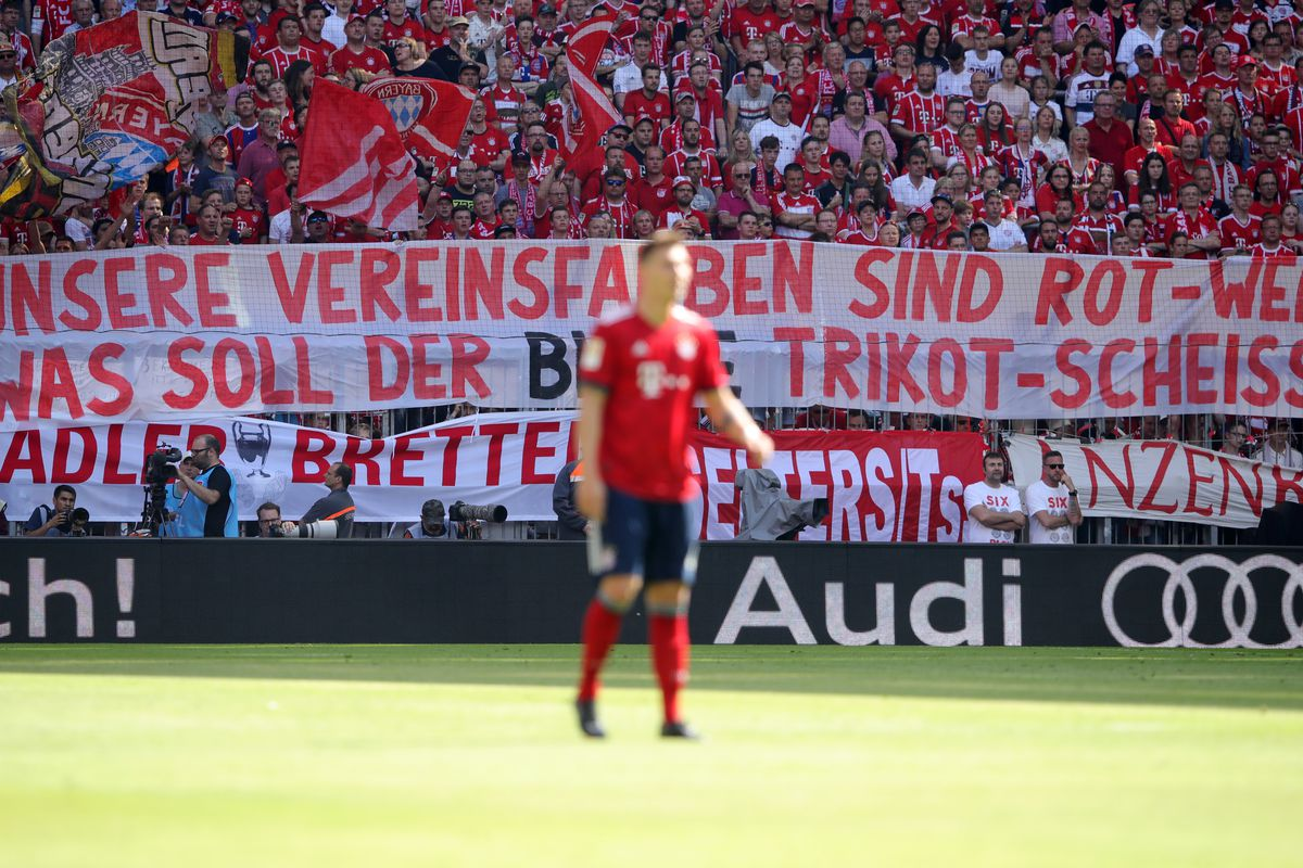 Bayern Munich fans protest blue shorts in new kit - Bavarian Football Works