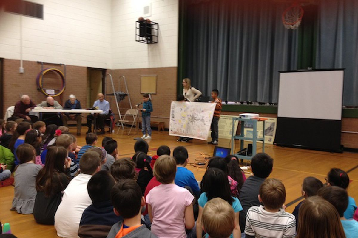 Students present to Tenth Mountain Division veterans during a third grade mini-expedition at West Park Elementary.