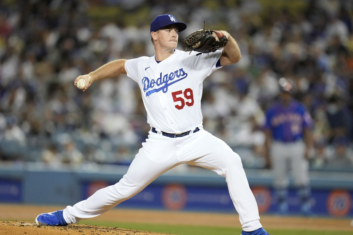 Los Angeles Dodgers defeat the New York 4-1 during a baseball game.