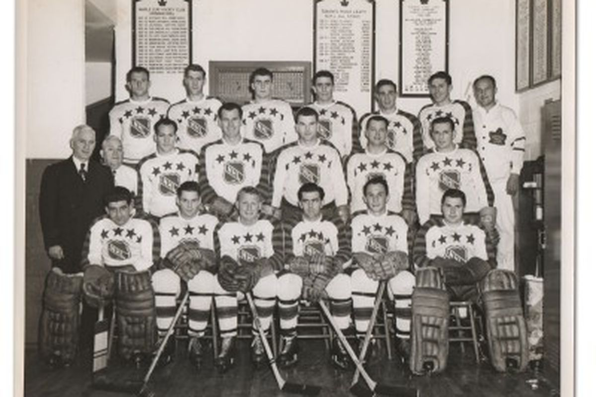 Maurice Richard And The Second Team All Stars Faced Off Against Gordie Howe First In 1951 1952 NHL Star Games