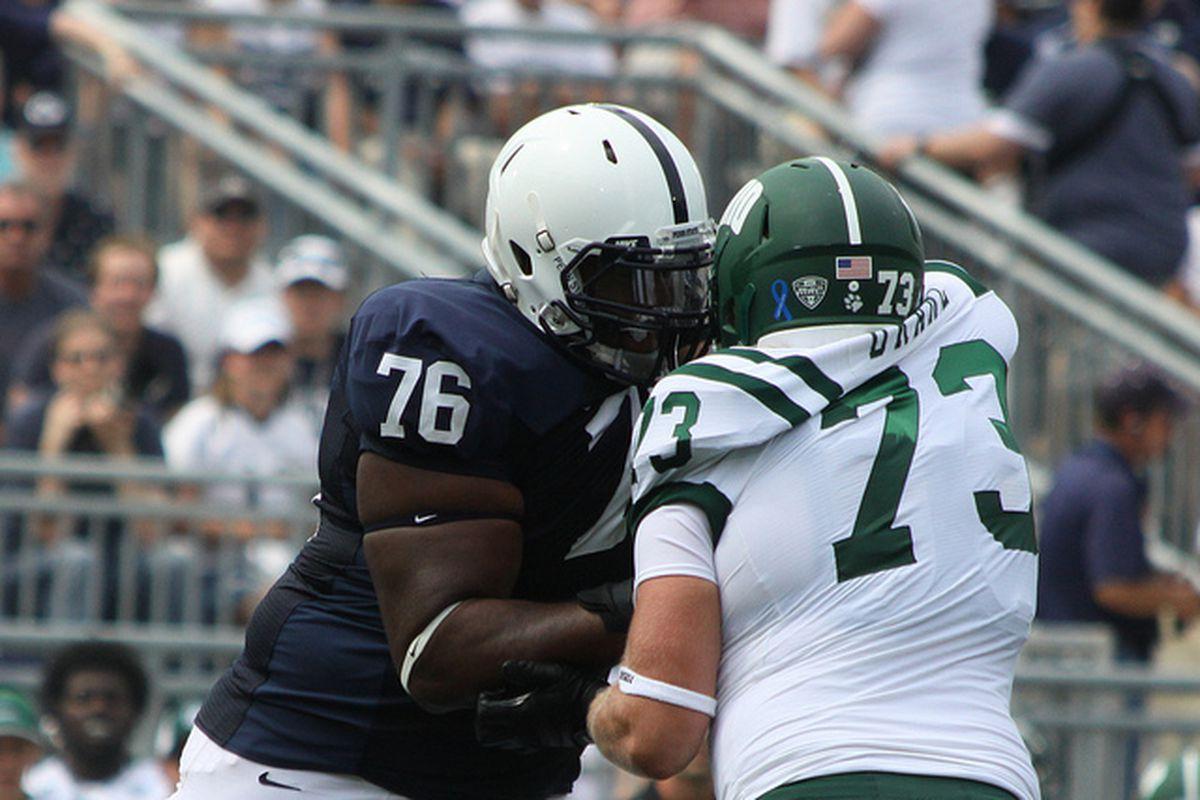 Donovan Smith drives back an opposing defensive lineman.