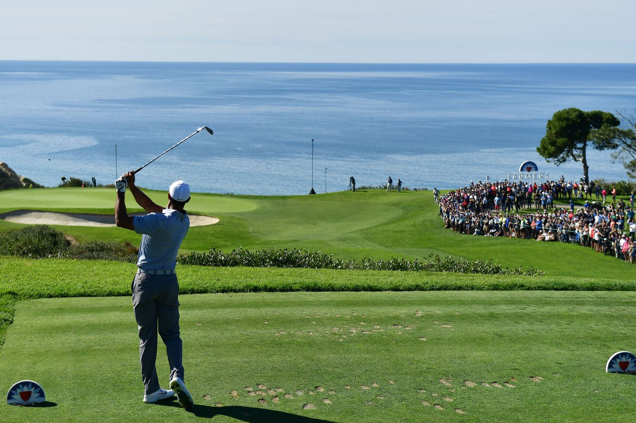 1125120343.jpg.0 - Your guide to Sunday at Torrey: Tiger gets 'reps' and the world No. 1 looks dominant