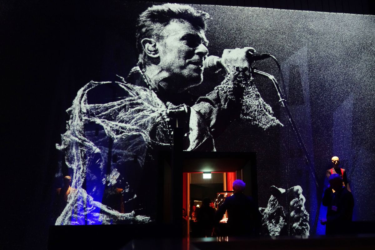 David Bowie at the Berlin Wall: the incredible story of a