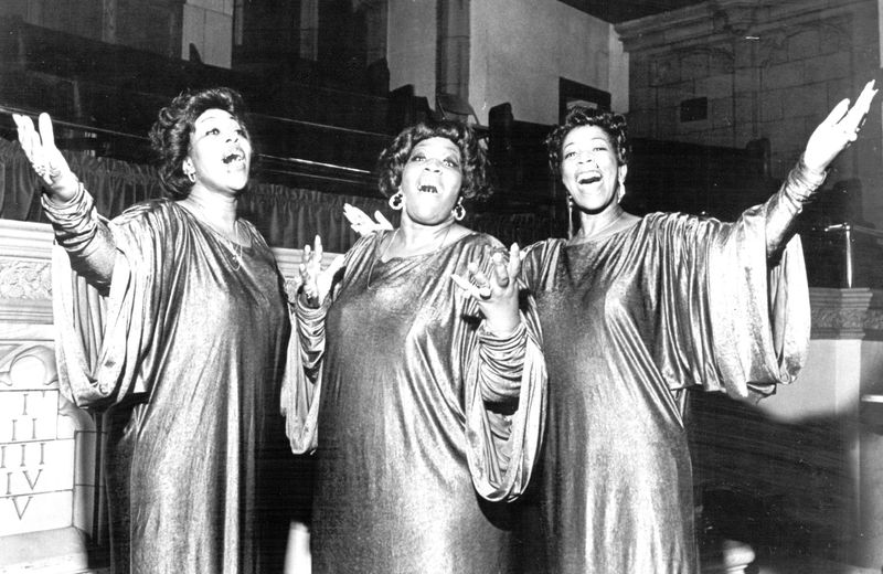 MOVIES The Barrett Sisters (Delois Barrett Cambell. center. Rhodessa Barrett Porter, left. Billie Barrett Green day . right) in George T. Nierenberg s Say Amen Somebody A United Artists Classics Release.