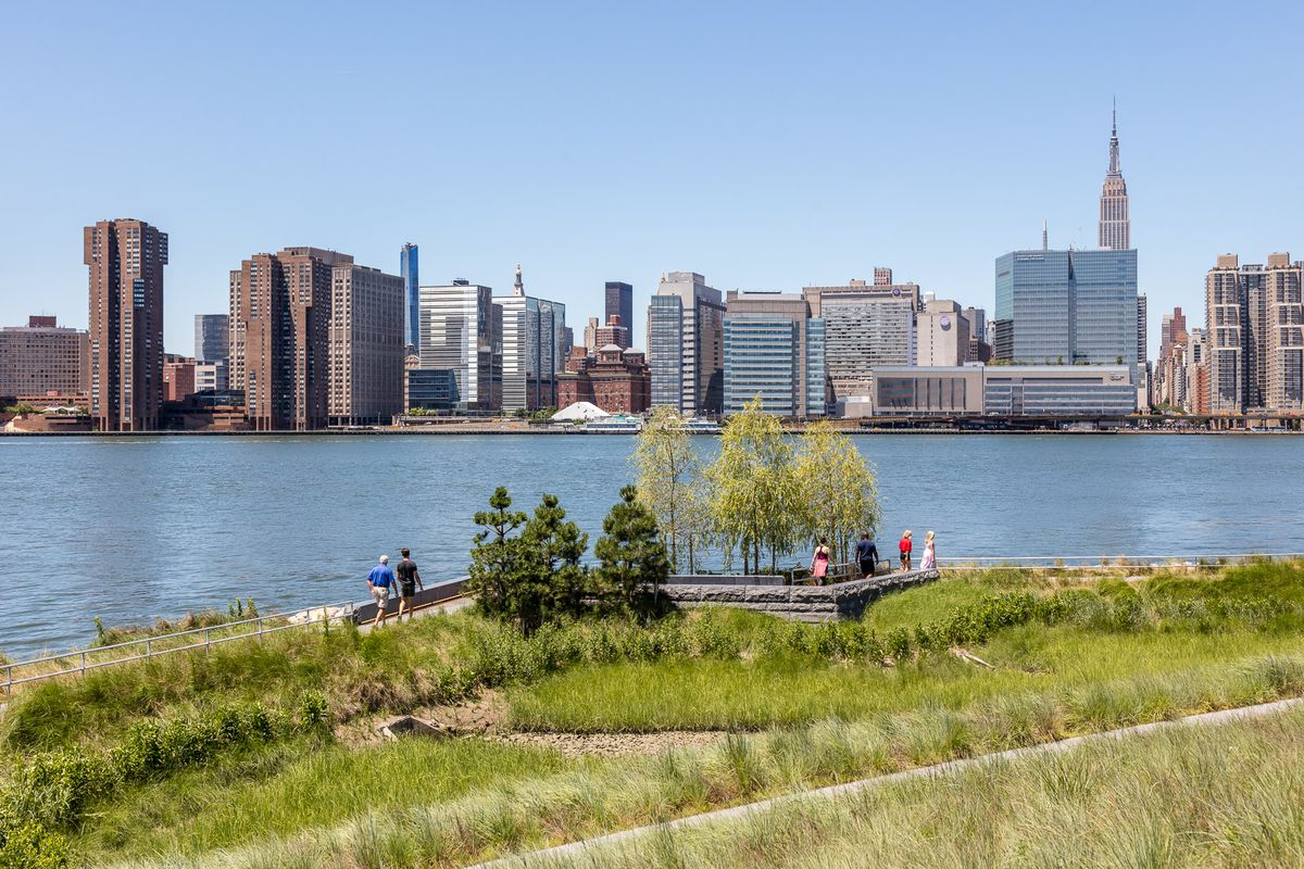 Track all of NYC's public waterfront spaces on this
