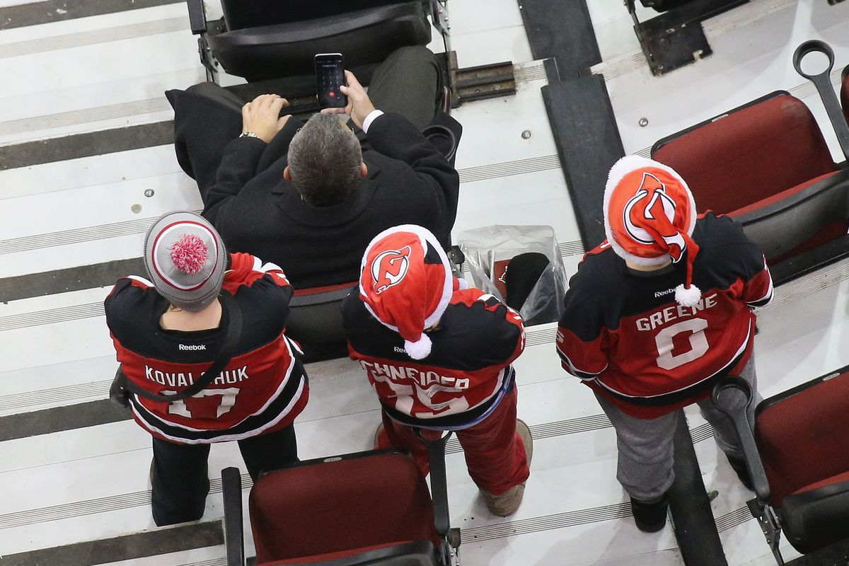 watch dd5cc dab15 New Jersey Devils 2017-18 Ticket Prices for Members Are ...