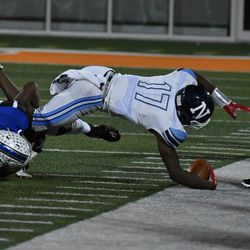 Nazareth's Diamond Evans (17) makes it out of bounds. Worsom Robinson/For the Sun-Times.