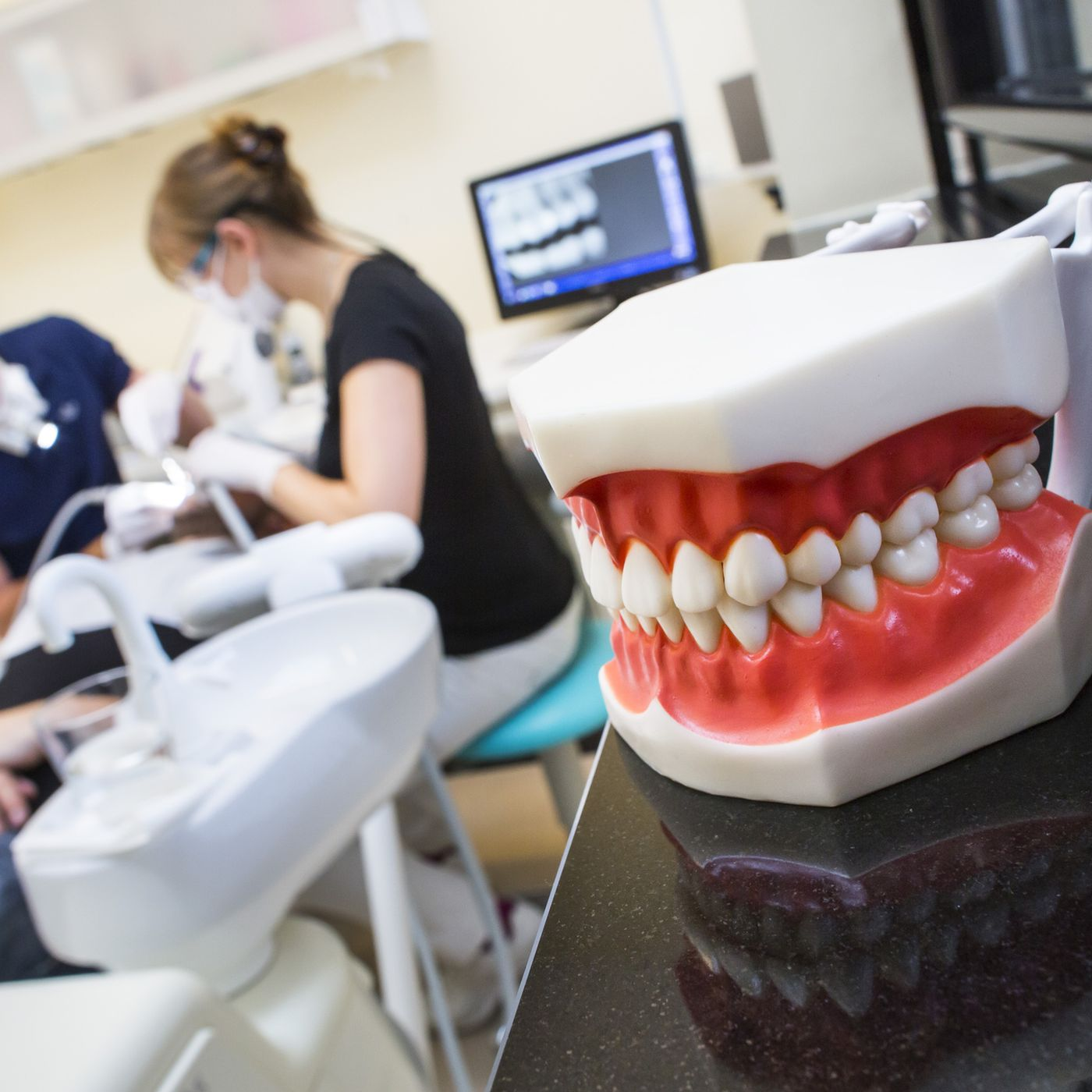 How to avoid getting ripped off by the dentist - Vox