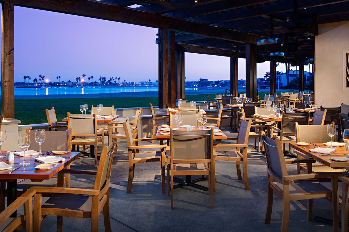 Oceana Coastal Kitchen Splashes Down In Mission Bay