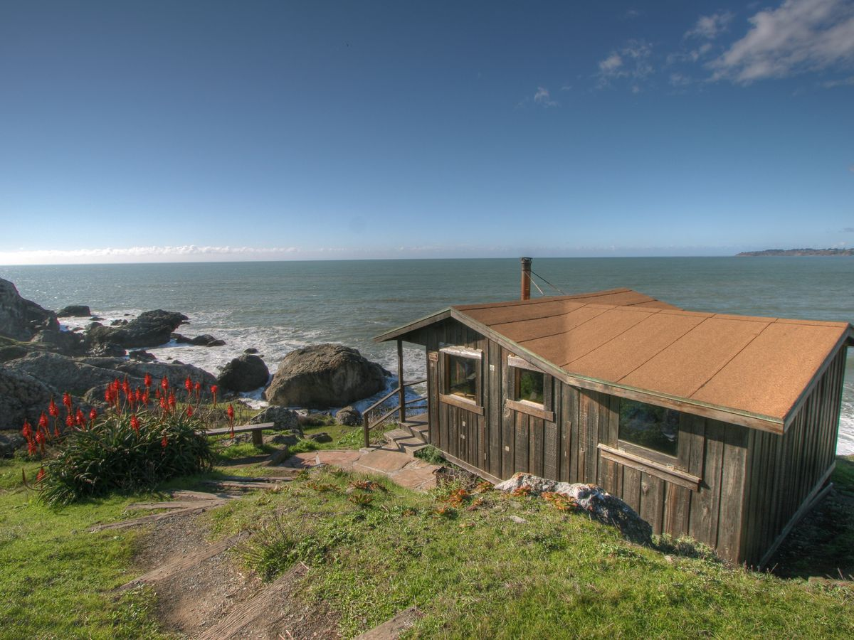 The best cabin and cottage vacations near San Francisco Bay ... Walk Out Bay Lake House Designs on monterey bay, walk out dormer, walk out garden, walk out bow, walk out foundation,