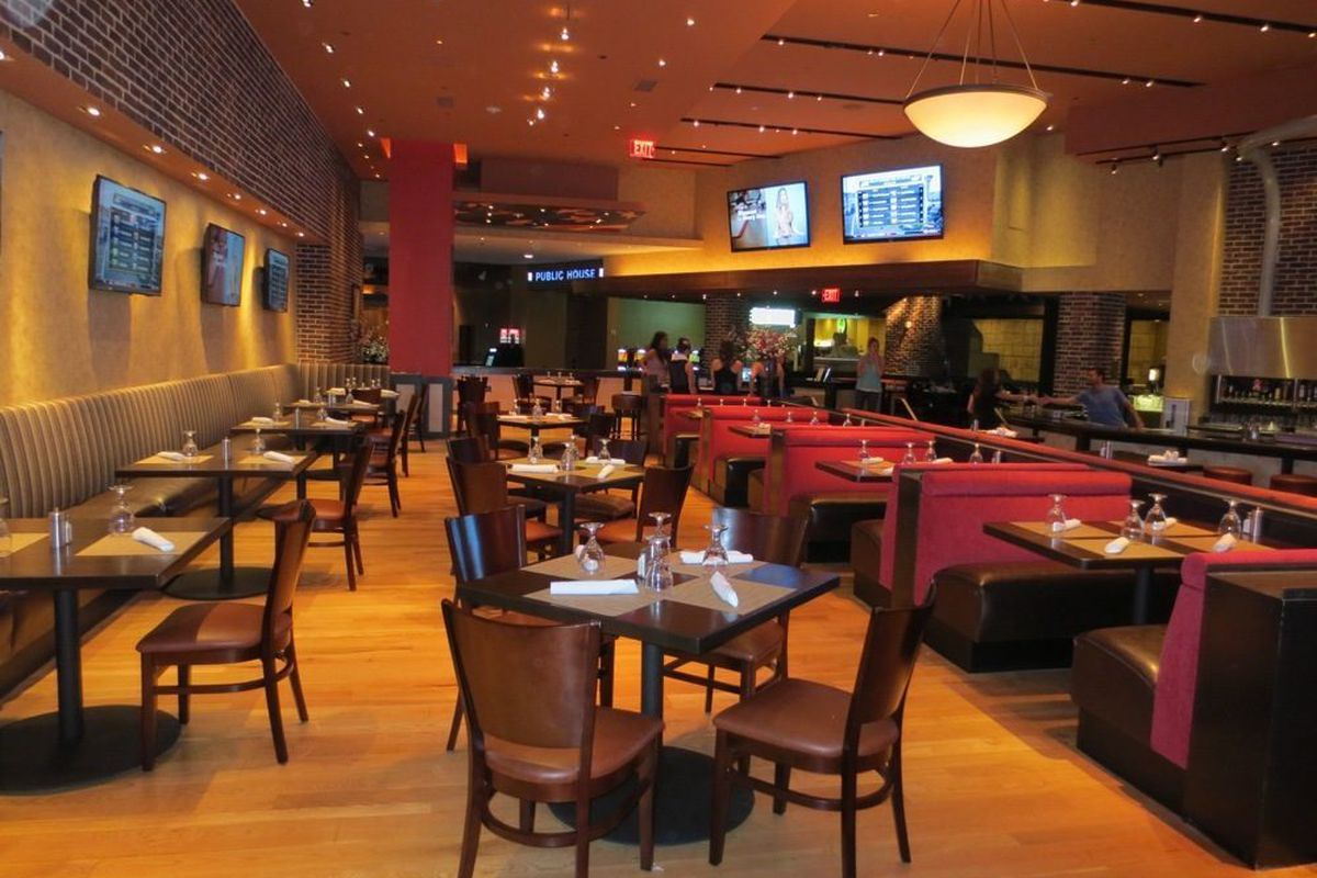 A Look Inside the Patriotic Public House at Luxor - Eater Vegas