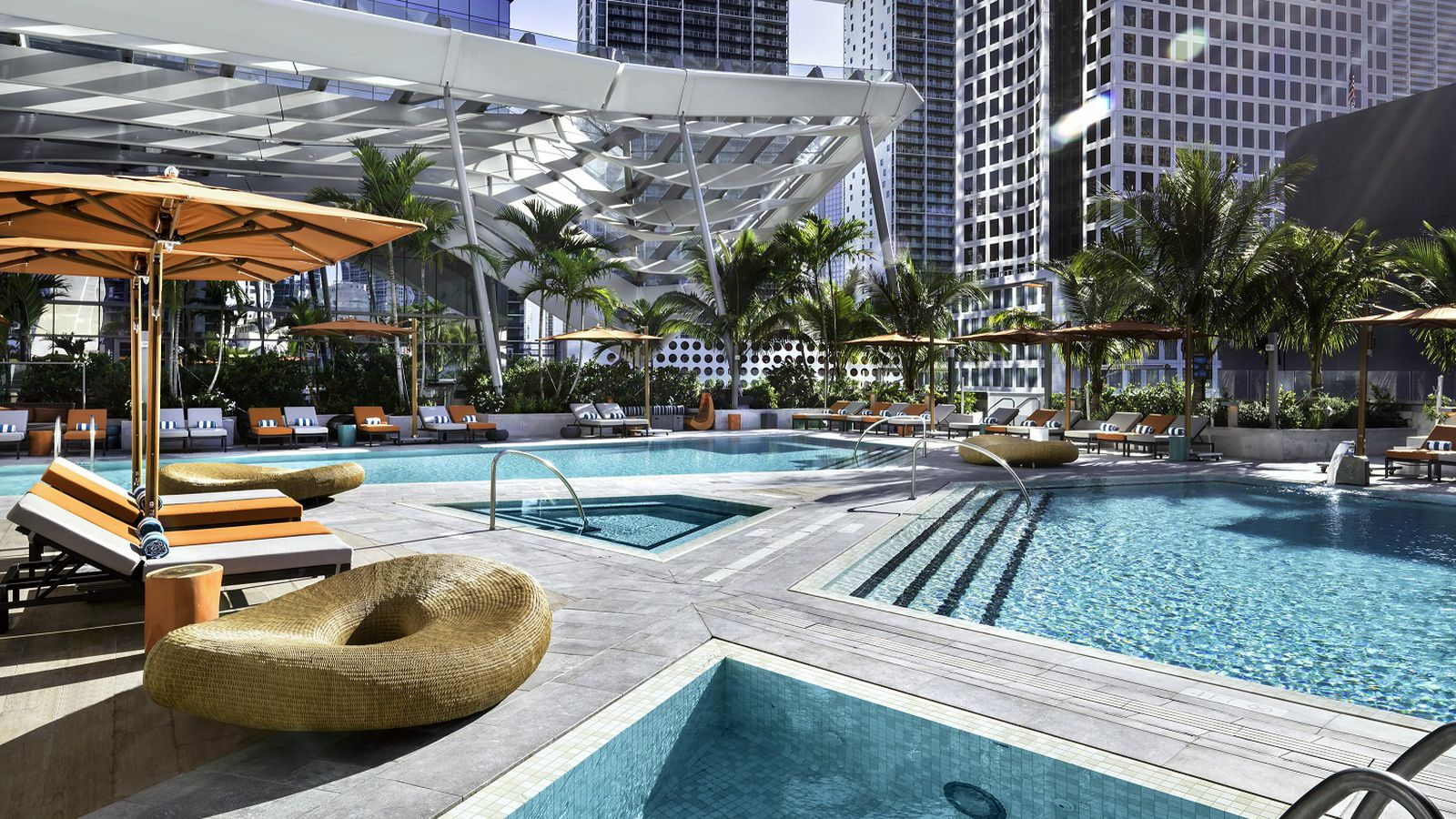 Miami 39 s 11 ultimate hotel pools summer 2017 curbed miami - Cheap hotels in aberdeen with swimming pool ...