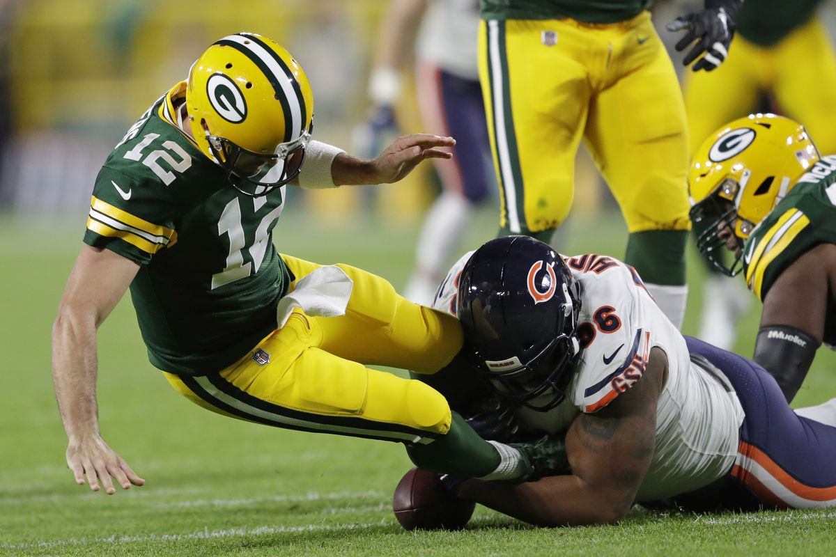 ceaa8fca420 Aaron Rodgers Injury  Packers QB carted off field with apparent leg injury