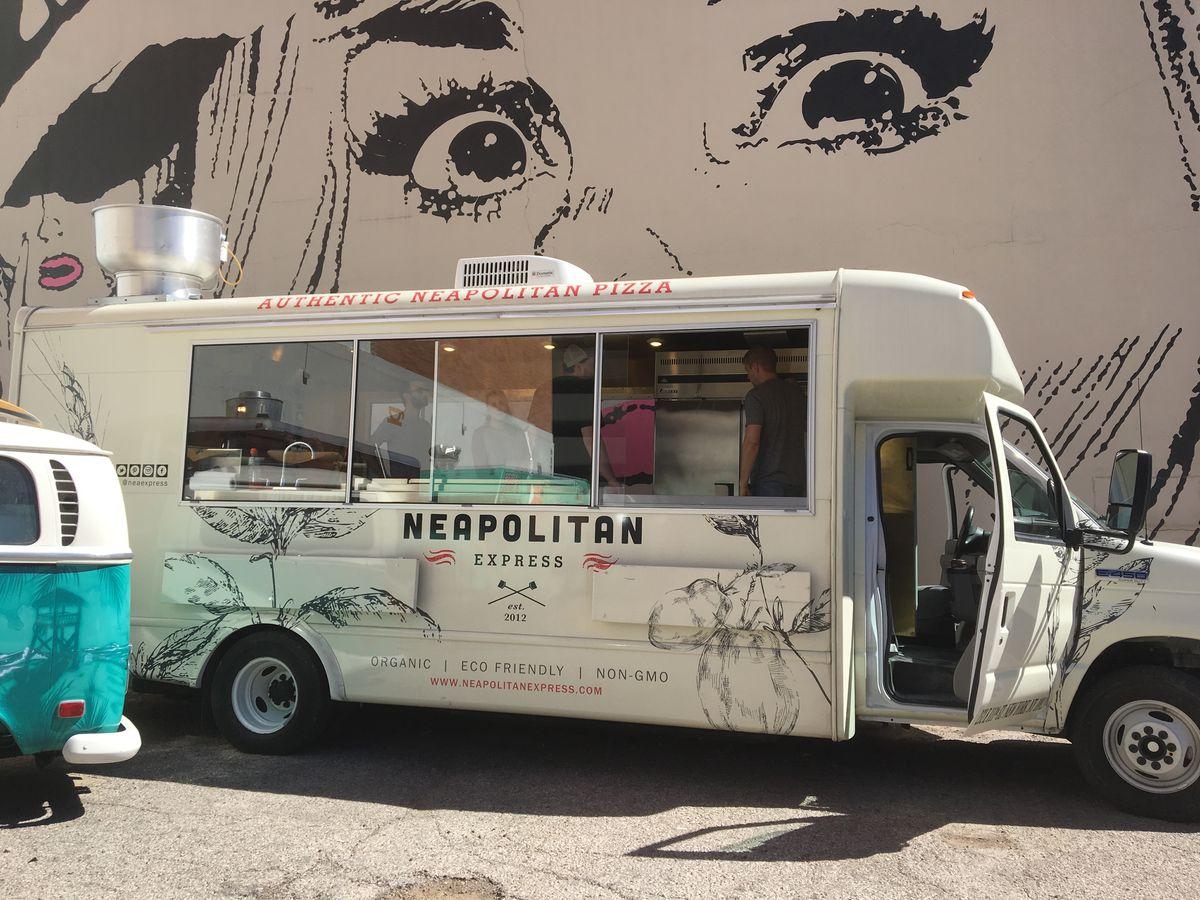Neapolitan Express' Colorado Street location
