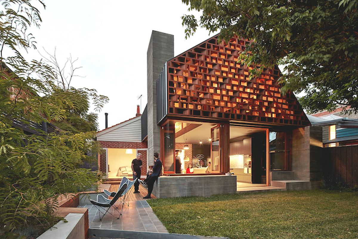 """Photo by <a href=""""http://www.peterbennetts.com/"""">Peter Bennetts</a> via <a href=""""http://www.archdaily.com/620039/local-house-make-architecture/"""">ArchDaily</a>"""