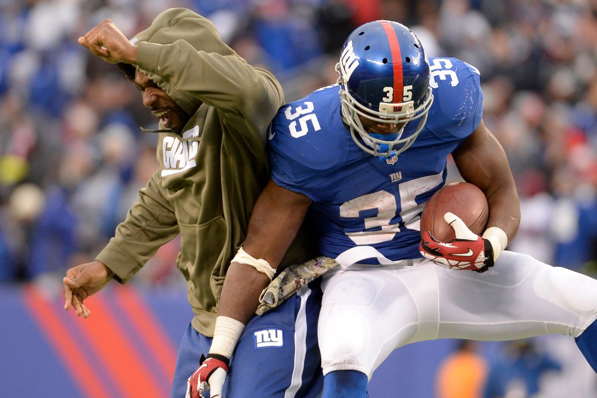 Andre Brown celebrates with Brandon Jacobs on Sunday