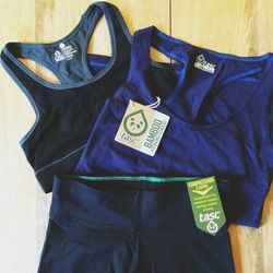 """Excited to workout in some new fitness gear today by <a href=""""http://www.tascperformance.com""""><b>Tasc Performance</b></a>, a New Orleans0based company. The clothes are made of bamboo and organic cotton, and the fabric feels SO SOFT and lightweight. The na"""