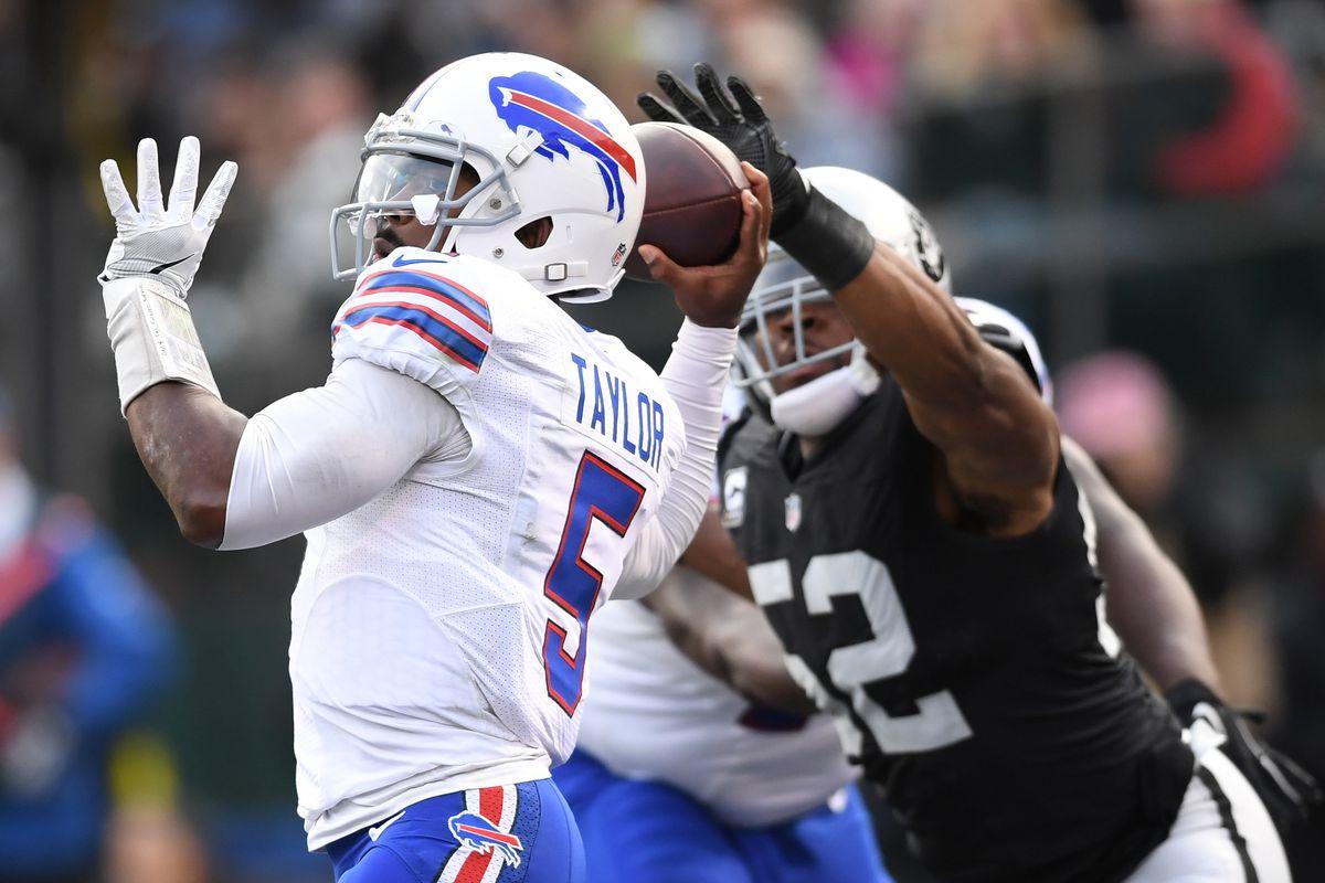 Buffalo Bills v Oakland Raiders