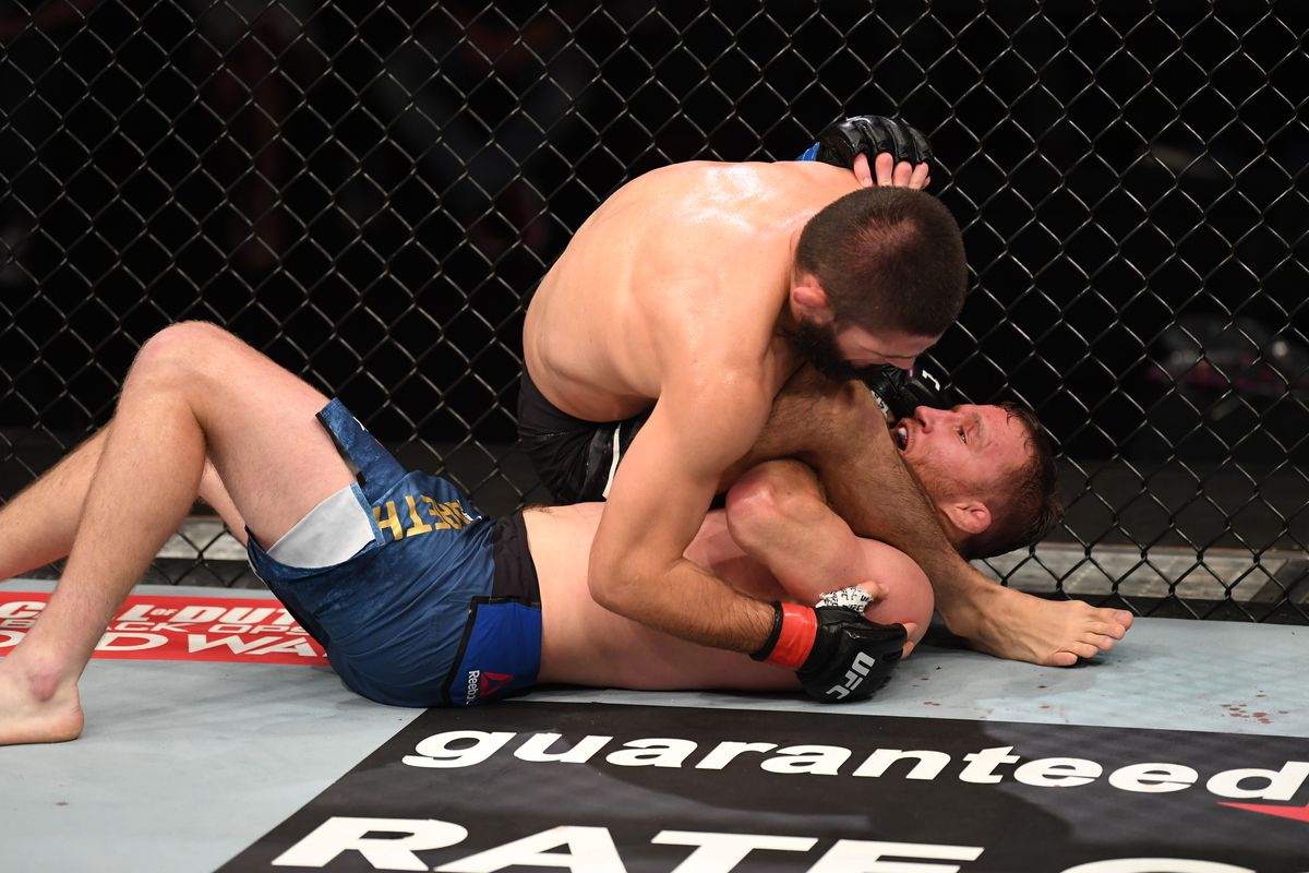 UFC 254 in Tweets: Pros react to Khabib Nurmagomedov's dominant win over  Justin Gaethje - MMA Fighting
