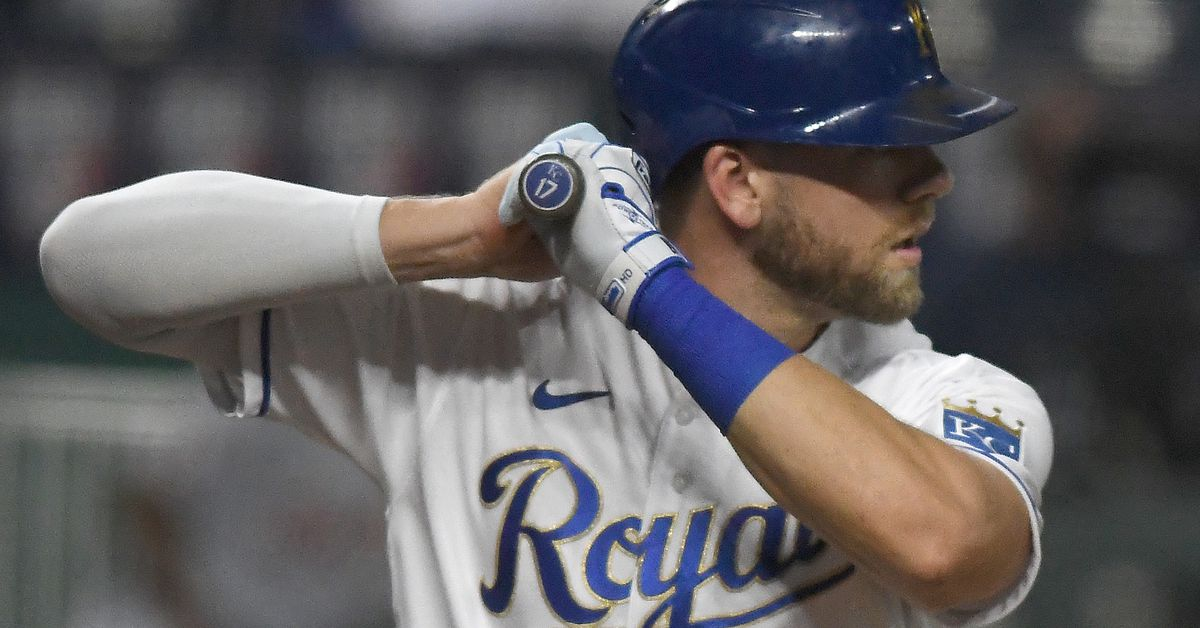 Royals sign Hunter Dozier to four-year, $25M deal - Royals Review