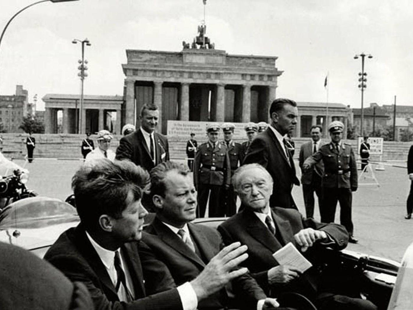 By Photo Congress    When Did Reagan Told Gorbachev To Tear