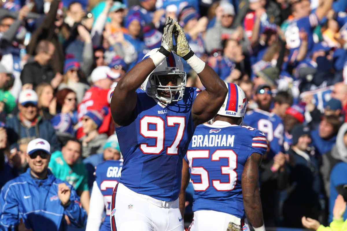 Giants signed DT Corbin Bryant, waive C Khaled Holmes
