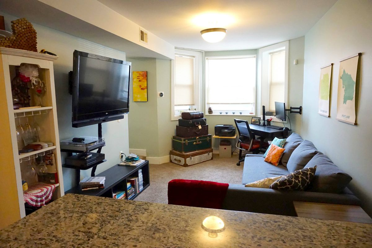 chicago three bedroom apartments renting for 1 500 or