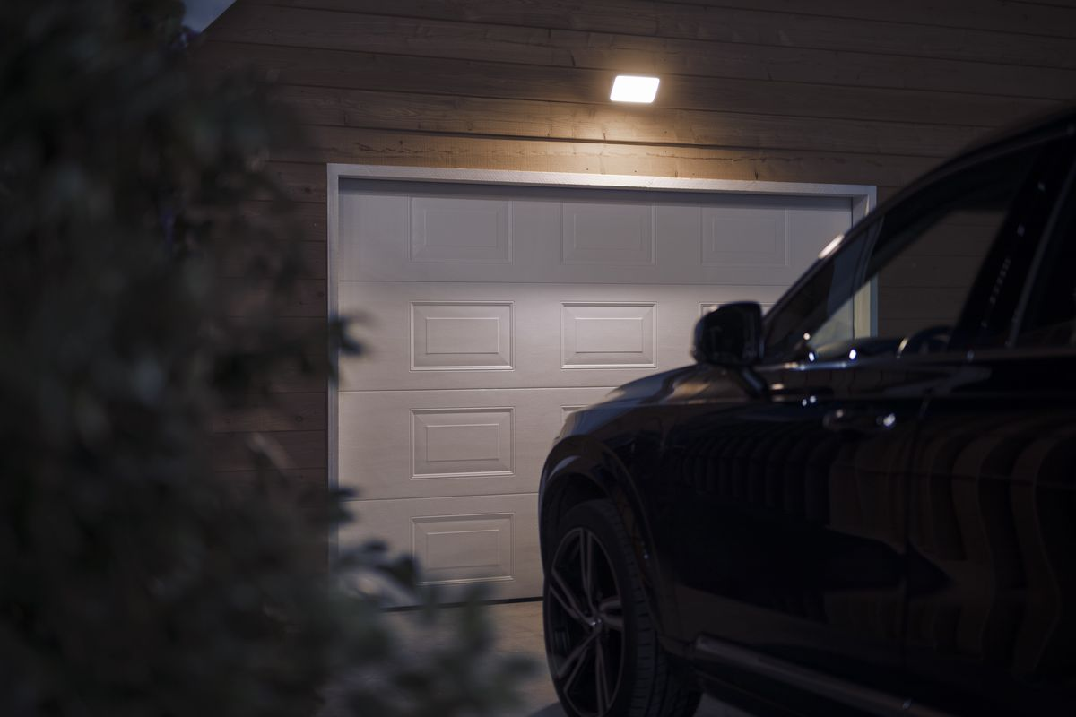 Photo Signify Philips Hue Began Expanding Into Outdoor