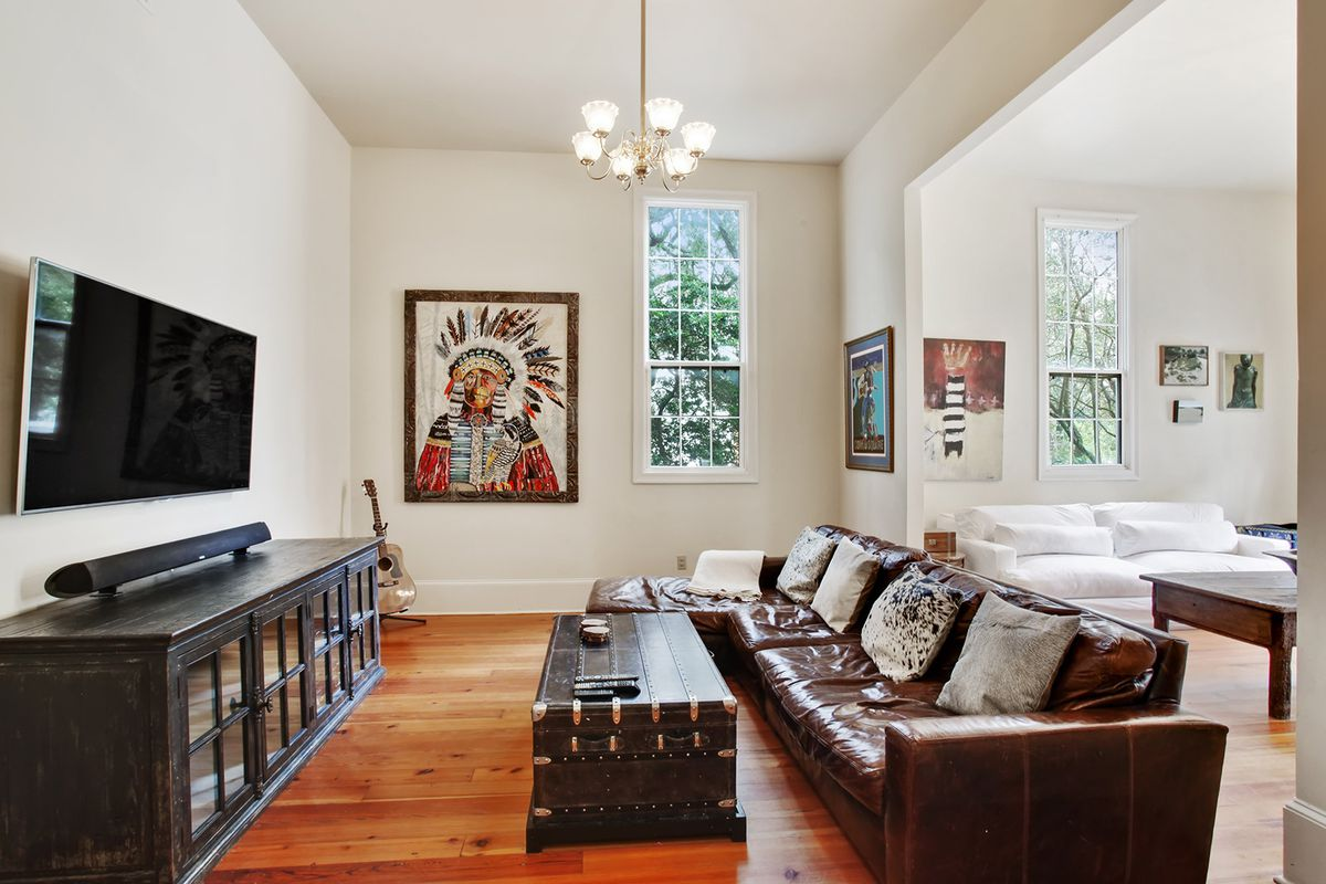 This Lower Garden District Greek Revival Home Just Hit The Market At 829k Curbed New Orleans