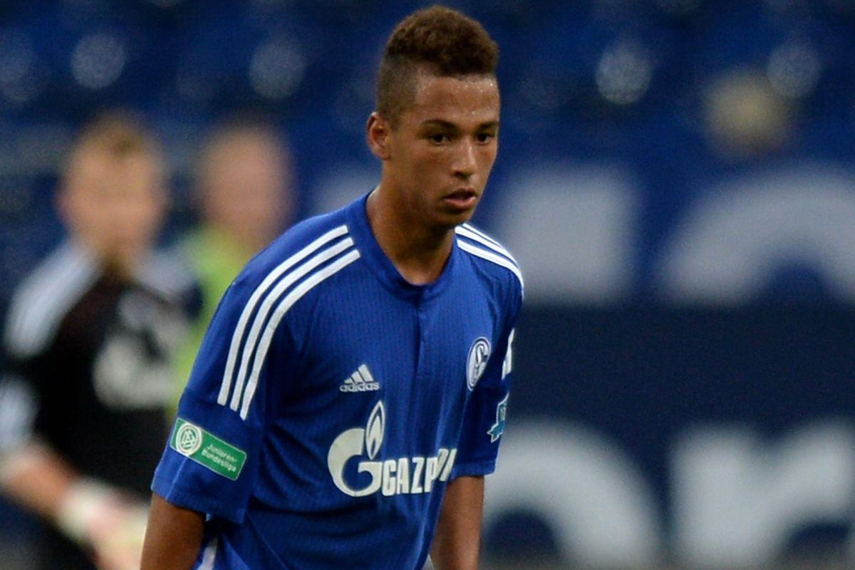 Thilo Kehrer in action for Schalke in the junior Bundesliga. Credit