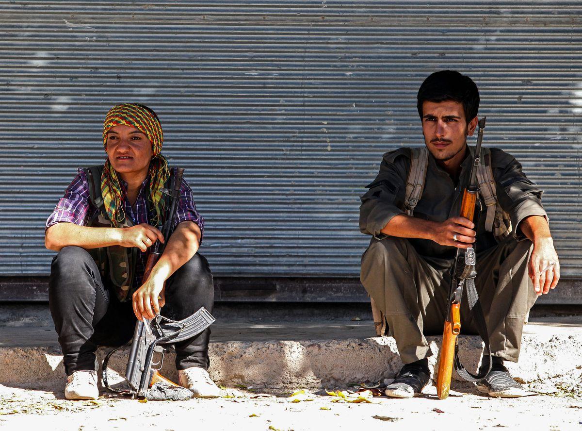 kurdish fighters in kobane