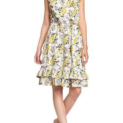 "<a href=""http://oldnavy.gap.com/browse/product.do?cid=50186&vid=1&pid=253358&scid=253358012""> Old Navy printed ruffle trim dress</a>, $27.50 oldnavy.com"